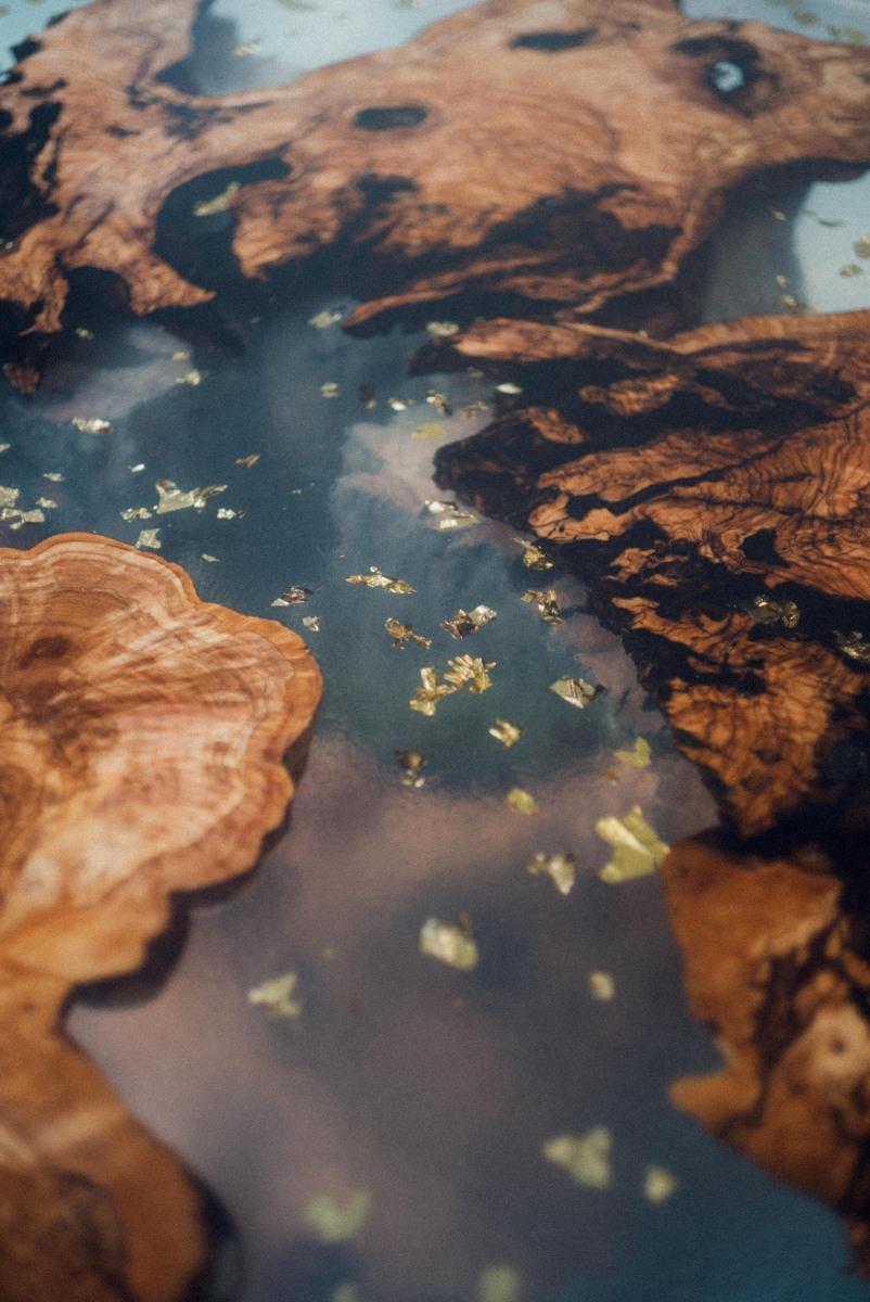 Table-resine-olivier-massif-Anton-LABORDE-Fabien-GUILLERMIER-Details-N°2